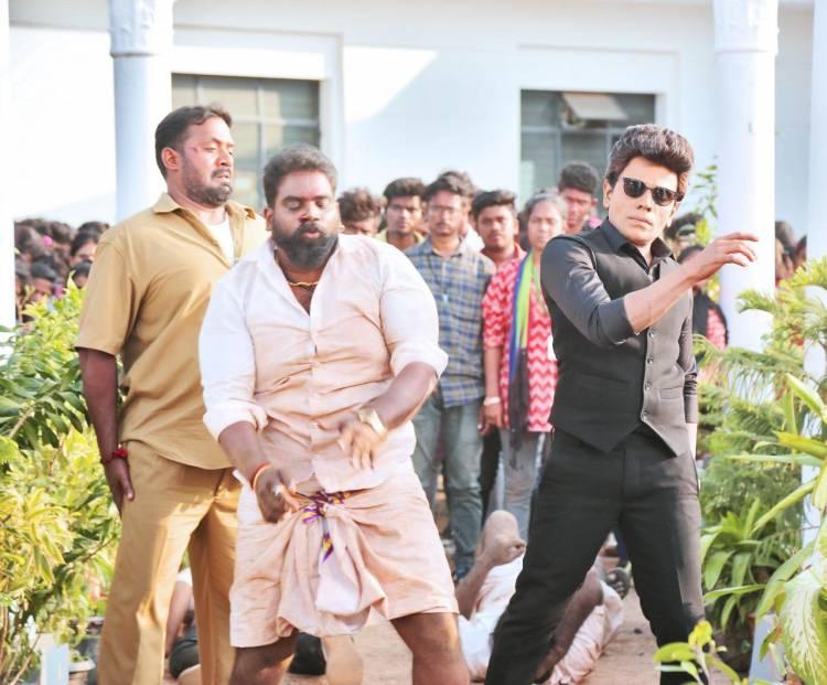 #LegendInAction  Shooting in Full Swing  #LegendSaravanan film  duo @JdJery Directorial
