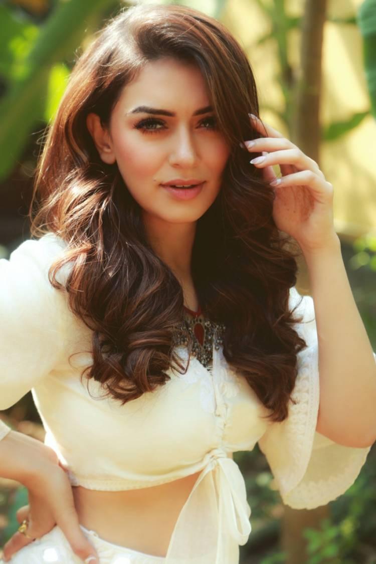 Hansika Motwani's second Hindi album 'Mazaa' is an overnight Chartbuster