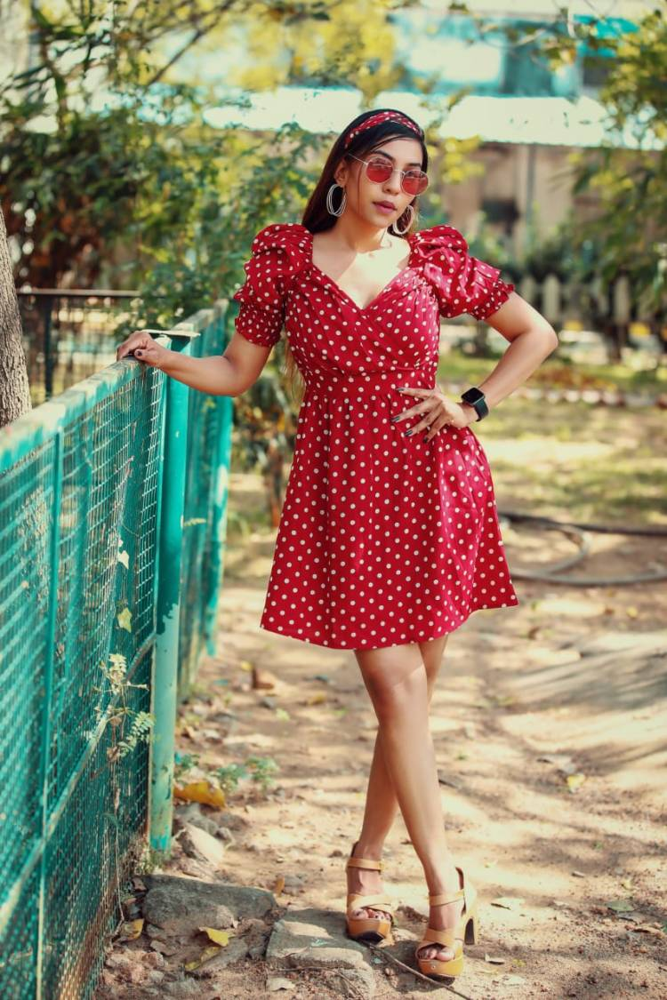 . @urs_dolly , The Charming new girl In town bashing in retro outfit. Debuting in Kollywood Soon
