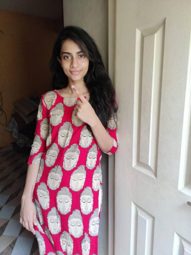 Actress Abitha Venkat cast Her Vote