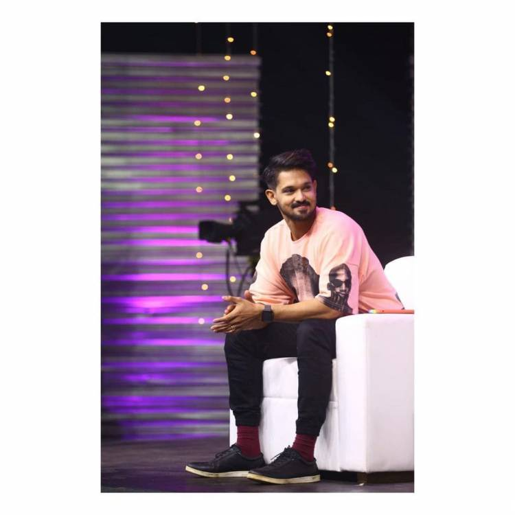 Check out the exclusive stills of Actor #Nakkhul's from BB Jodigal Show